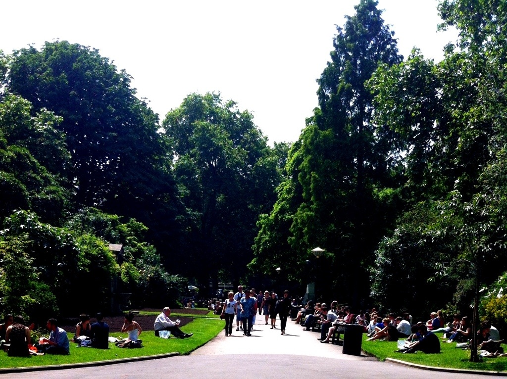 Embankment Gardens at lunch